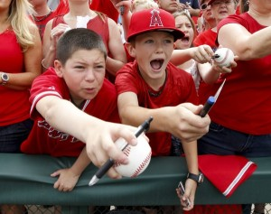 kids love baseball